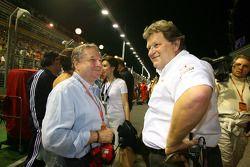 Director General de Ferrari Jean Todt, Scuderia Ferrari, con Norbert Haug, Mercedes, Director de Mot