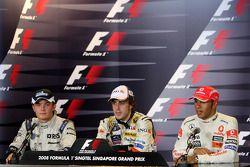 Ganador de la carrera Fernando Alonso, segundo lugar Nico Rosberg y el tercer lugar Lewis Hamilton