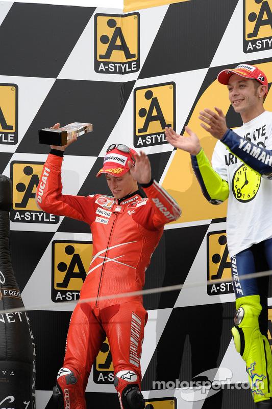 Podio: ganador de la carrera y campeón del mundo 2008 Valentino Rossi, Casey Stoner el segundo luga
