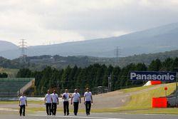 Льюис Хэмилтон, McLaren Mercedes и его гоночный инженер
