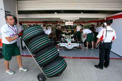 Honda Racing F1 Team, bridgestone pneus verts
