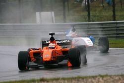 Jeroen Bleekemolen, driver of A1 Team Netherlands leads Neel Jani, driver of A1 Team Switzerland