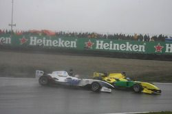 Jin Woo Hwang, driver of A1 Team Korea and John Martin, driver of A1 Team Australia