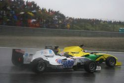 Jin Woo Hwang, pilote A1 Team Korea et John Martin, pilote A1 Team Australia