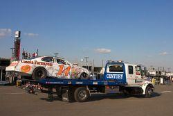 La voiture de Dominick Casola de retour au garage après l'accident du tour 11