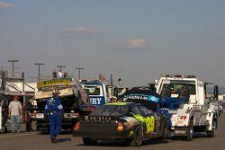 La voiture de Larry Hollenbeck de retour au garage