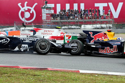 Kazuki Nakajima, Williams F1 Team and David Coulthard, Red Bull Racing