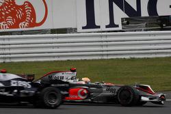 Фелипе Масса, Scuderia Ferrari, F2008 и Льюис Хэмилтон, McLaren Mercedes MP4-23