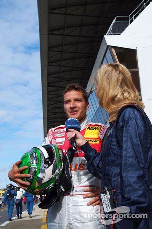 Гонщик Audi Sport Team Abt Тимо Шайдер и Ферена Вридт