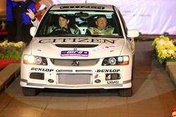 Patrick Malley et son copilote Raymond Bennet, au volant d'une Mistsubishi Lancer evo 9 pour M Rally Team