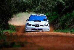 Eli Evans et son copilote Chris Murphy, au volant d'une Subaru Impreza WRX pour Evans Motorsport