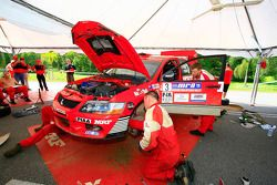 La Mitsubishi Lancer Evo 9 de Scott Pedder, de l'équipe MRF Tyres Rally Team