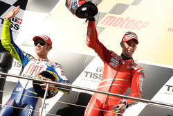 Podium: winnaar Casey Stoner, second place Valentino Rossi