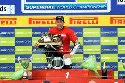 Le gagnant du championnat du monde de Superbike en 2008 Troy Bayliss