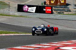 Barry Wood et Tony Wood, Lister-Jaguar Knobbly; Alan Minshaw, Maserati T61 Birdcage