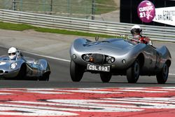 #35 Geoffrey O'Connell et Edward Cottamn Arnolt-Bristol Bolide ; #11 Chris Philips et Richard Hall, Lola MkI Prototype