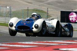#23 Julian Mazub, Sadler MkIII; #38 Barry Wood et Tony Wood, Lister-Jaguar Knobbly