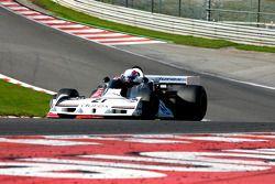 #21 Anthony Hancock, Surtees TS19; David Methley, March 761B