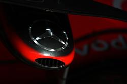 McLaren Mercedes, MP4-23 nose