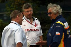 Ross Brawn Team Principal, Honda Racing F1 Team and Flavio Briatore, Renault F1 Team, Team Chief, Ma