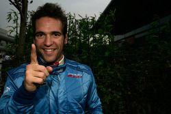 Roldan Rodriguez fête sa pole position