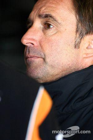 Paul Radisich (HSV Dealer Team Commodore VE)