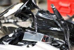 Les restes des voitures PWR d'Andrew Thompson et Paul Weel après un important accident dans les mont