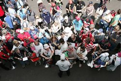 Craig Lowndes signing autographs (TeamVodafone Ford Falcons BF)