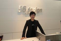 Shinya Nakano visitas una historia de diseño 56 en Sepang