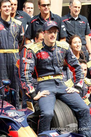 Scuderia Toro Rosso team shot, Sebastien Bourdais