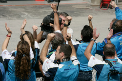 The Durango team celebrate Davide Valsecchi victory