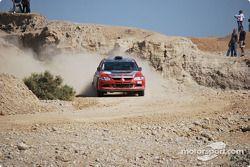#22 Essam Al Nejadi Mitsubishi Lancer Evo 9: Essam Al Nejadi et Anwar Al Sharah