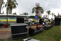 General view of pit area activites