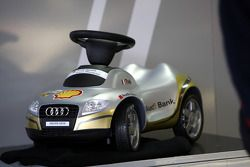 Alexandre Prémat, Audi Sport Team Phoenix, Audi A4 DTM became father on Oct 22 of a baby girl named Zoé; the Audi pitcrew made some alterations on the car and created a real babycorner in Prémat's pitbox with clothing and toys