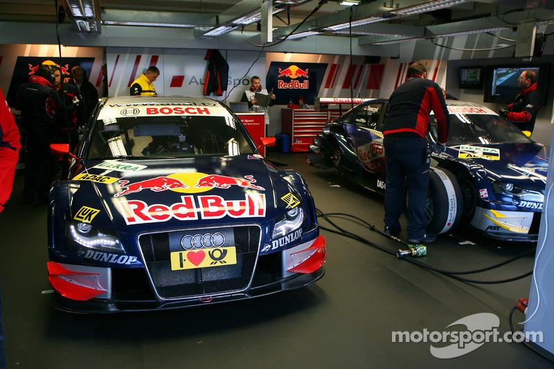 Pitbox of Mattias Ekström, Audi Sport Team Abt Sportsline, Audi A4 DTM and Martin Tomczyk, Audi