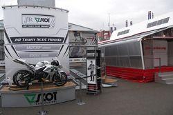 Стенд команды JiR Team Scot Honda в паддоке