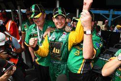 Will Power très heureux après avoir pris la pole position du Nikon Indy 300