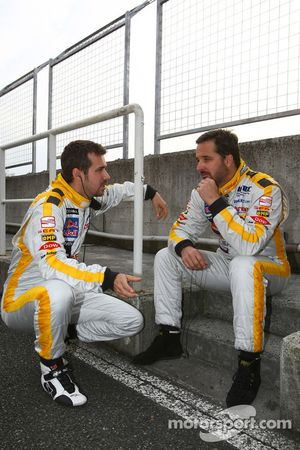 Tiago Monteiro, SEAT Sport, SEAT Leon TDI etYvan Muller, SEAT Sport, SEAT Leon TDI