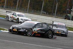 Timo Scheider, Audi Sport Team Abt, Audi A4 DTM leads Paul di Resta, Team HWA AMG Mercedes, AMG Merc