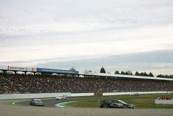 Timo Scheider, Audi Sport Team Abt, Audi A4 DTM leads Paul di Resta, Team HWA AMG Mercedes, AMG Mercedes C-Klasse