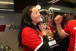 Fête de célébration du championnat dans les stands d'Audi: Jasmin Rubatto, petite amie de Timo Scheider