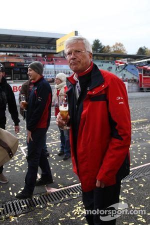 Arno Zensen célèbre sa victoire