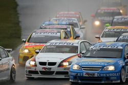 Jorg Muller, BMW Team Germany, BMW 320si et Alain Menu, Chevrolet, Chevrole Lacetti