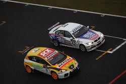 Jordi Gene, SEAT Sport, SEAT Leon TDI et Franz Engstler, Liqui Moly Engstler Motorsport, BMW 320si