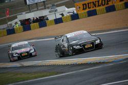 Timo Scheider, Audi Sport Team Abt, Audi A4 DTM por delante de Mattias Ekström, Audi Sport Team Abt Sportsli