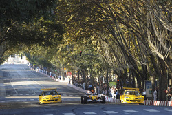 Lucas Di Grassi does a demo run in the Renault F1 R27 in the streets of Lisbon