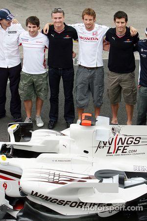 Wings For Life Livery Red Bull Racing David Coulthard photoshoot: Robert Kubica, Timo Glock, David C