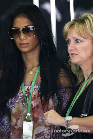 Nicole Scherzinger, Singer in the Pussycat Dolls, girlfriend of Lewis Hamilton, McLaren Mercedes, Li