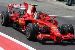 Ganador de la pole Felipe Massa celebra