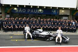 Foto de grupo del equipo de F1 de Williams, Kazuki Nakajima, Williams F1 Team, Nico Rosberg, William
